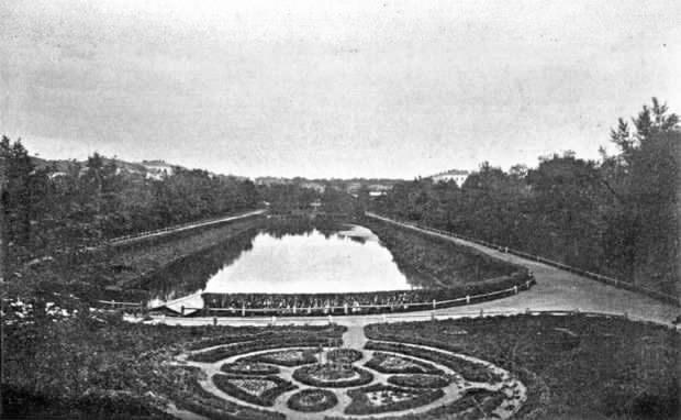 Парк стал называться общественным садом.