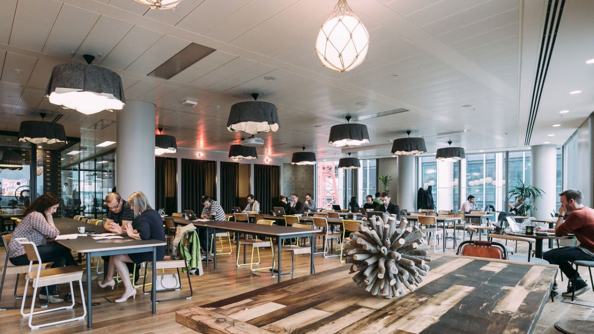 Coworking: how does this form of work organize in Russia and the world