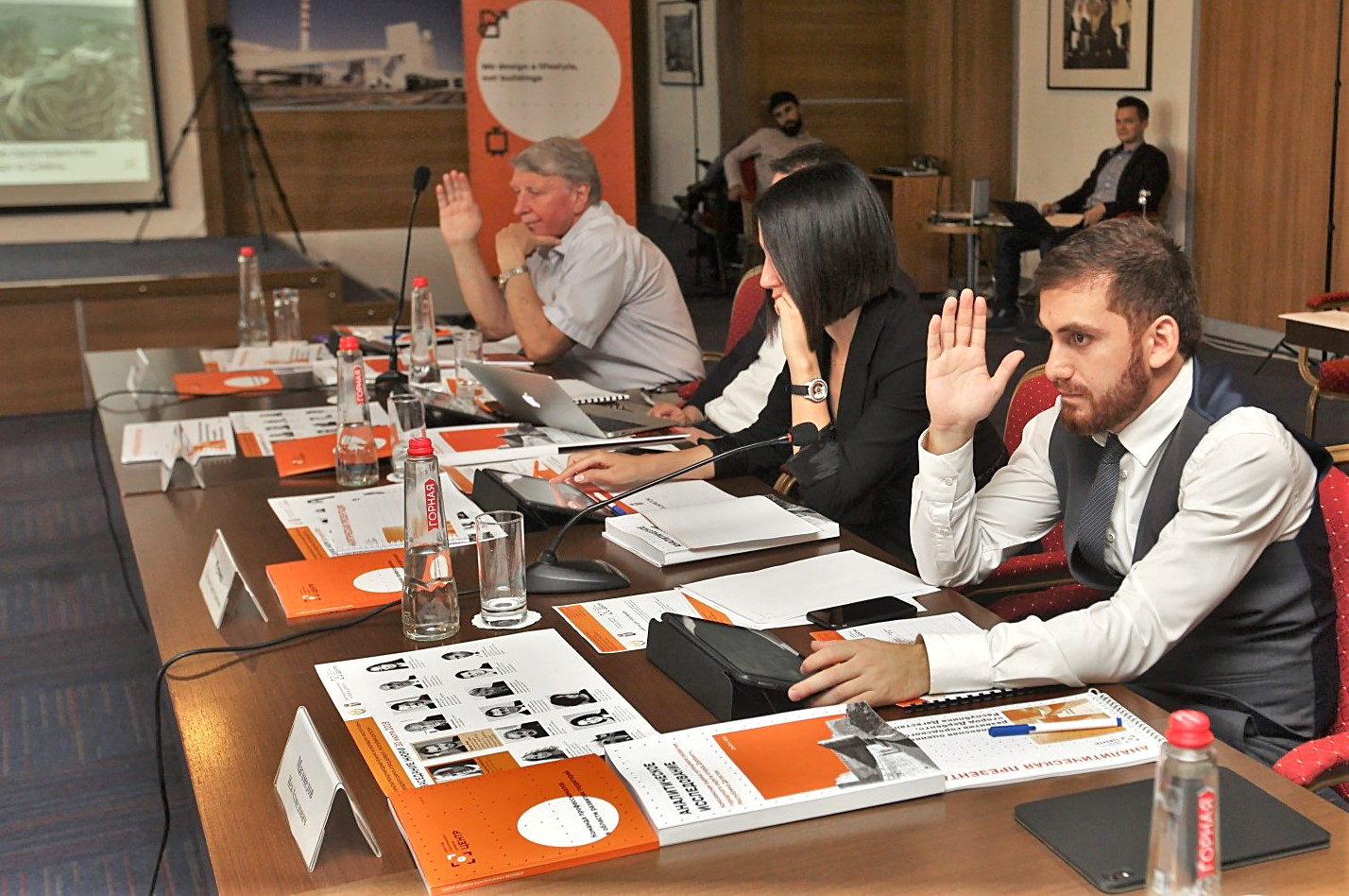 Видеозапись заседания жюри можно посмотреть на YouTube-канале Агентства «ЦЕНТР»